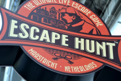 Escape Hunt Maastricht - Logo bord buiten